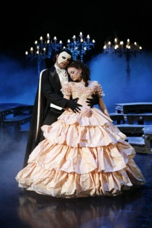 """400 przedstawień """"Upiora w Operze"""" w Teatrze ROMA"""